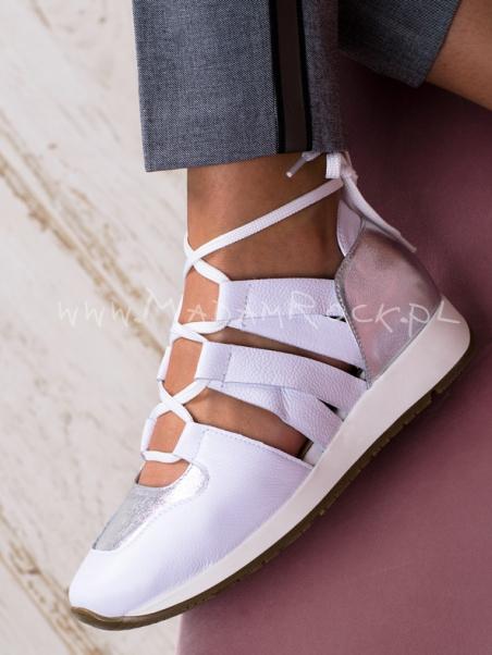 Buty sportowe z wycięciami...