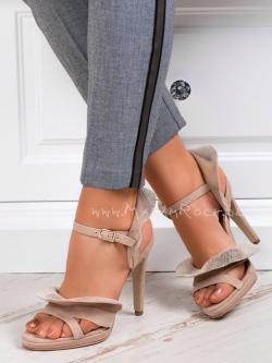 Sandały z falbanką Madam...