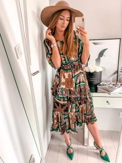 Sukienka w elegancki wzór...
