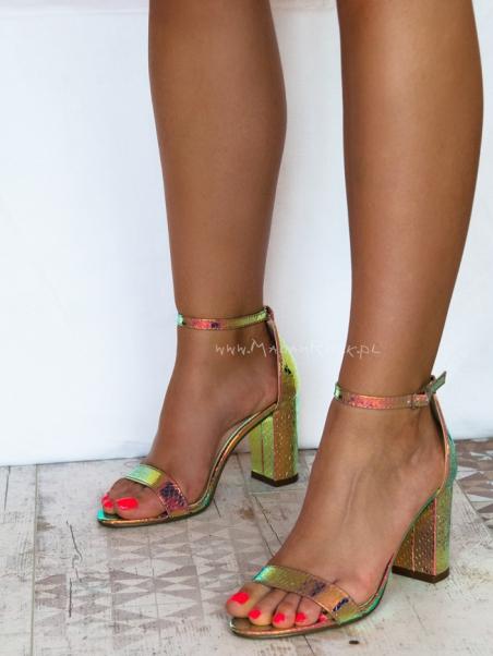 Sandały klasyczne na słupku Lady Rivis purple