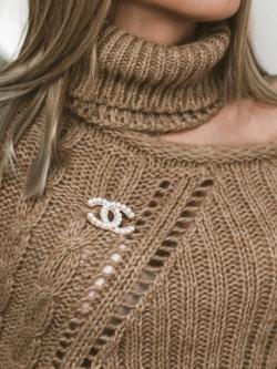 Sweter asymetryczny z...