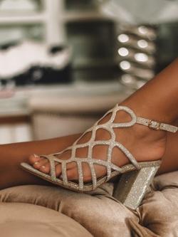 Sandały na słupku Lady...