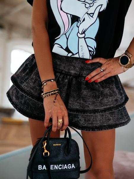 Krótka spódniczka jeansowa...