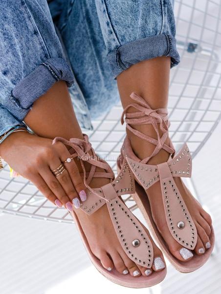 Płaskie zamszowe sandały...