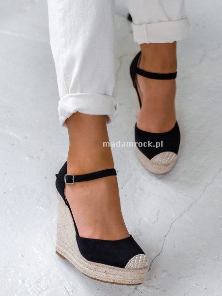 Sandały koturny Madam...
