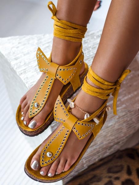 Płaskie zamszowe sandały żółte