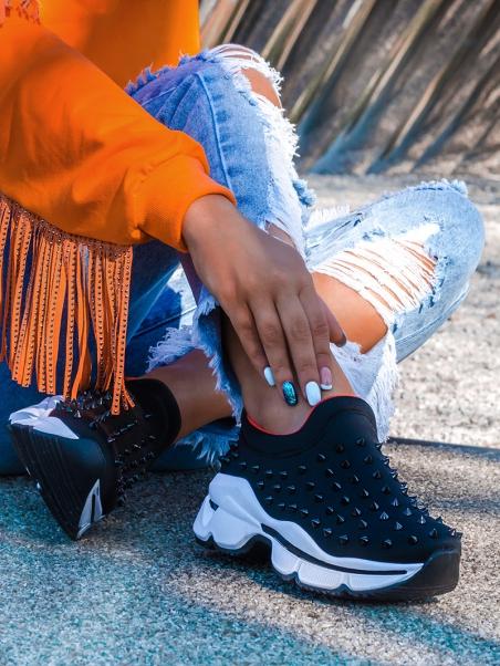 Buty sportowe z kolcami...