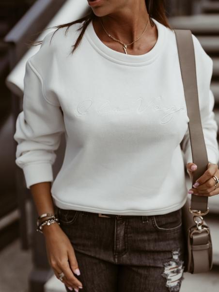 Bluza z haftowanym logo OLV...