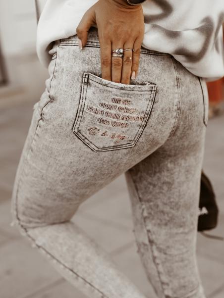 Spodnie z wysokim stanem...