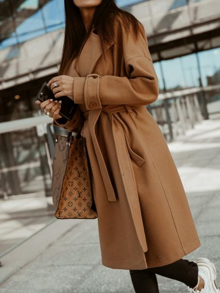 Płaszcz klasyczny  wiązany...