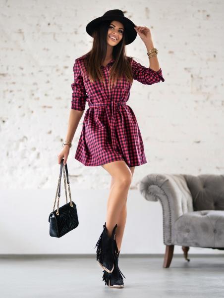 Sukienka w małą kratę...