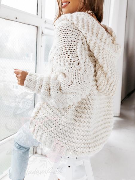 Sweter gruby z kapturem...