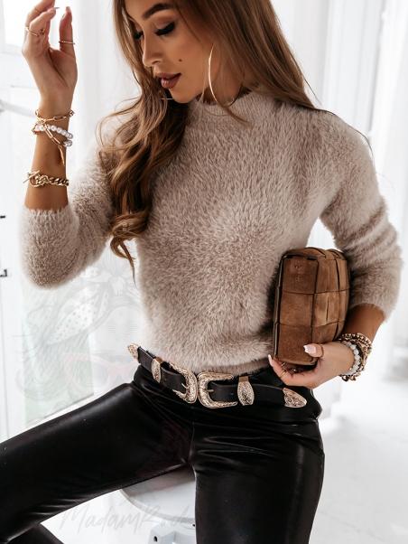 Sweter moherowy z półgolfem...
