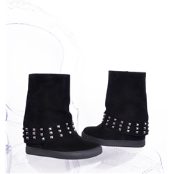 Czarne botki na szpilce z frędzlami