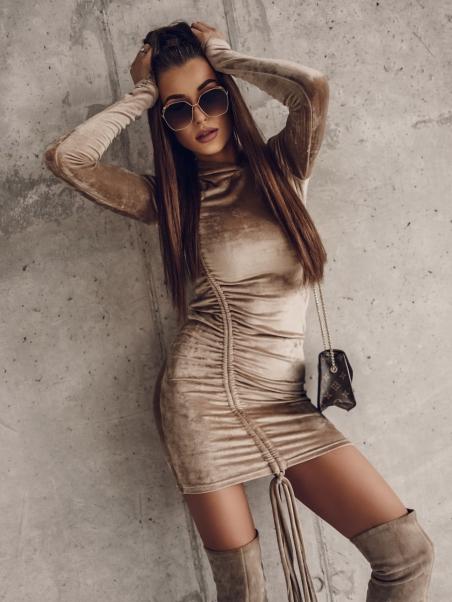 Sukienka dopasowana...
