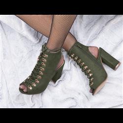 Czarne skórzane sneakersy koturny damskie złota kłódka