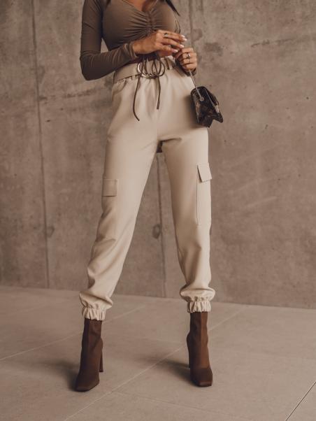 Spodnie z paskiem Jogger...