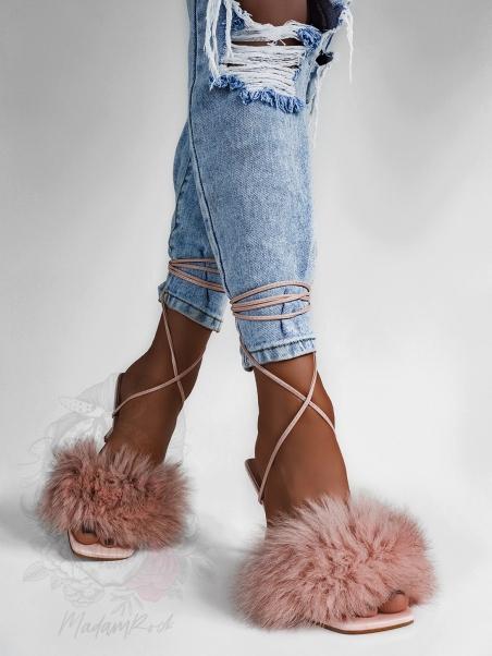 Sandały z puszkiem Madam...