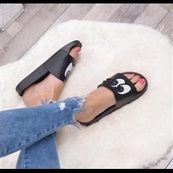 Sandały pudrowe z cyrkoniami