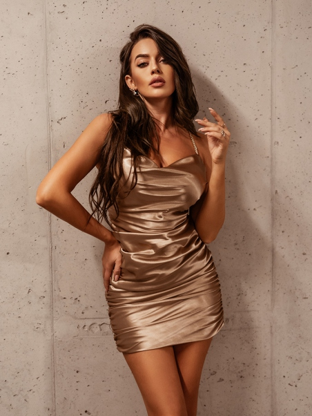 Sukienka satynowa elegancka...