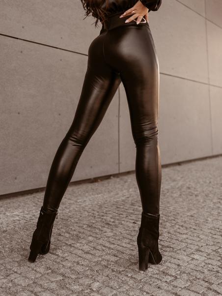 Spodnie dopasowane Black...