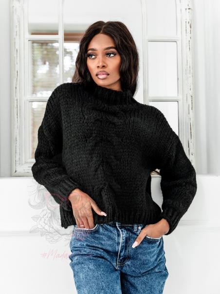 Sweter o luźnym splocie...
