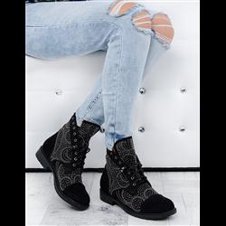 Płaskie zamszowe sandały